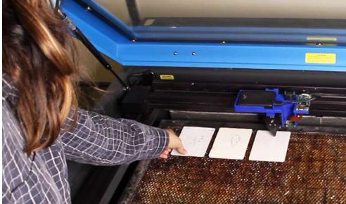 用于激光切割机的智能材料传感平台可以区分30种不同的材料